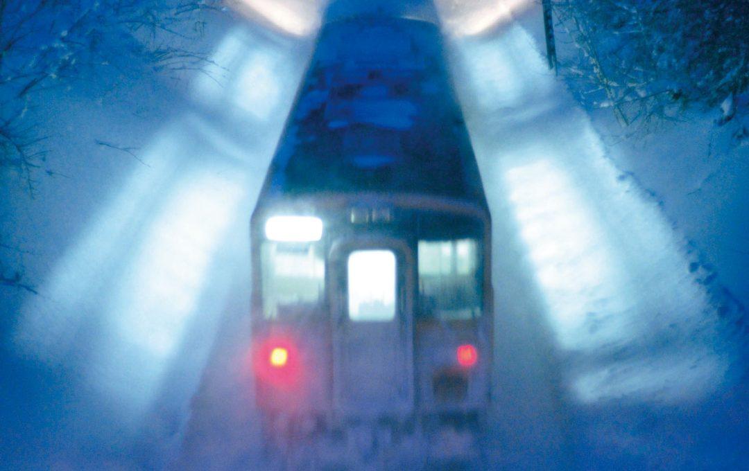 夜鉄テクニック解説編 雪に映る明かりを幻想的に撮る「銀河鉄道の夜」