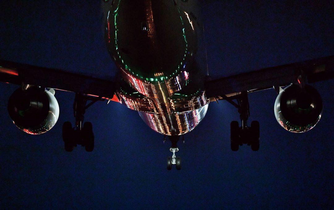 「飛行機夜景」は難しくない?撮影時に押さえておくべきいくつかのポイント