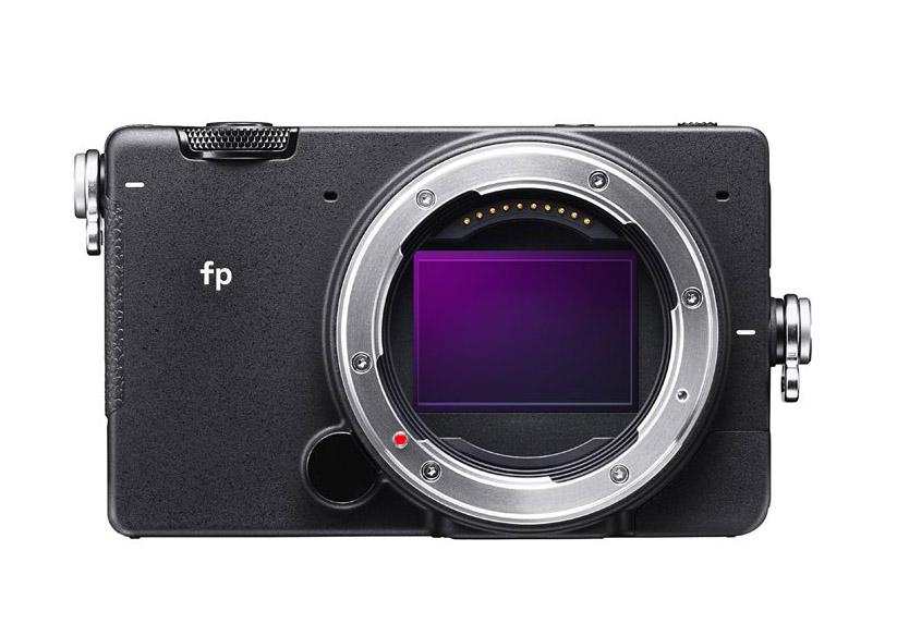 世界最小・最軽量、フルサイズイメージセンサー搭載のミラーレス一眼カメラ『SIGMA fp』を発表