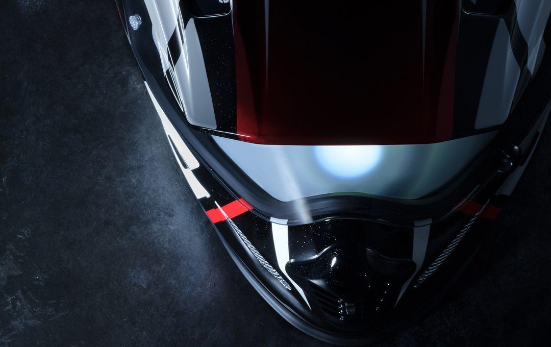 球体のライティングのヒケツ・モーターサイクルイベントの大型ポスターを想定してヘルメットを撮る