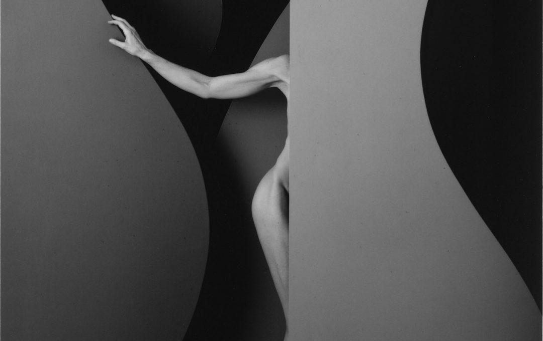 藤間謙二写真展「Jessica – Arc /gelatin silver print」