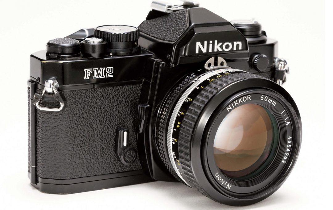 はじめてのフィルム一眼レフに最適な「Nikon New FM2」フィルムの入れ方も動画で解説