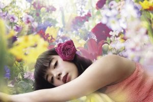 蜷川実花が池田エライザをリモートで撮影