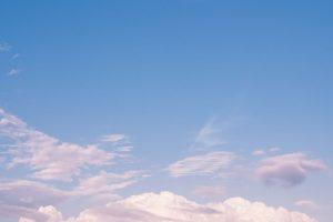 リバーサルフィルムならではの「コクのある青空」を再現する