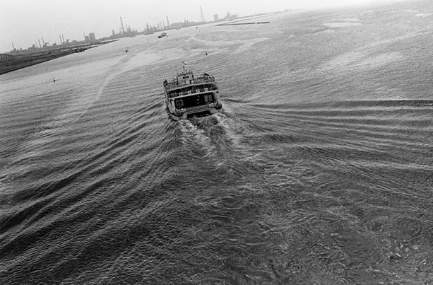 尾仲浩二 展「Faraway Boat」POETIC SCAPE
