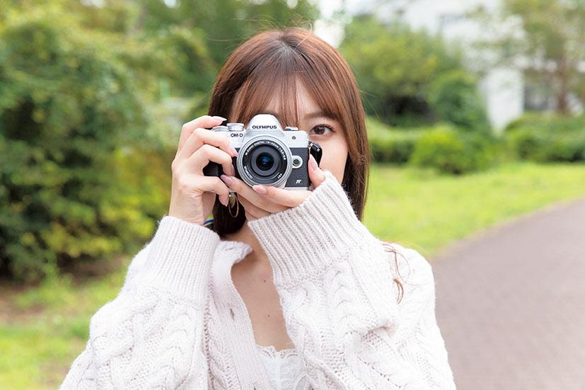 写真を上達させる第一歩は「カメラの構え方」
