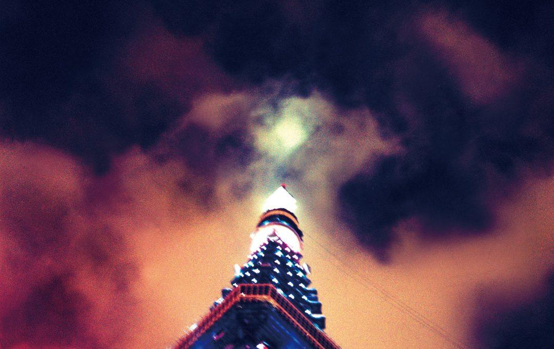 「東京タワー」の妖しい魅力を引き出す、天候の力