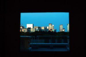 内外の世界を区切る「窓」は絵画に見立てるのがコツ