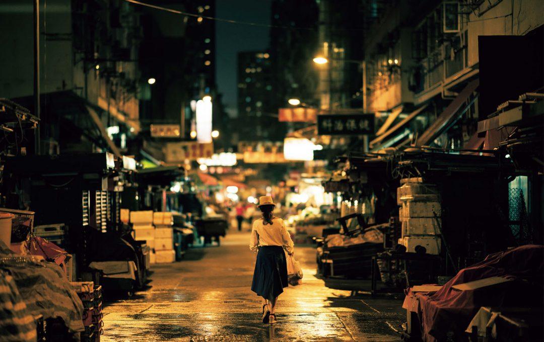 「香港映画」をイメージして夜の街をドラマチックに仕上げる