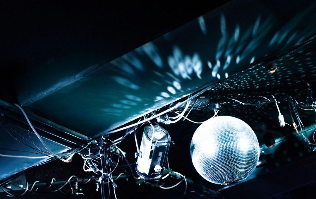 多彩な光源の変化が楽しい「ライブハウス」を撮るコツ