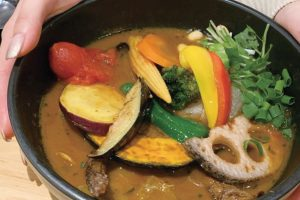 カレーだけで満腹!野菜20品目が摂れる下北沢のスープカレー店